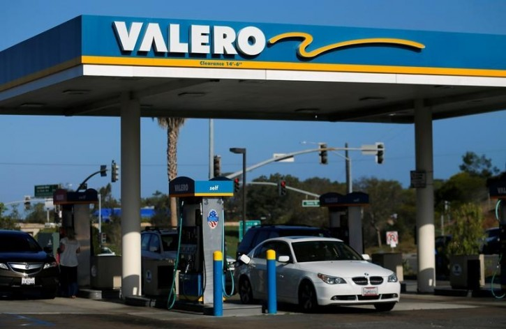 FILE - A Valero gas station is shown in Encinitas, California, U.S., May 2, 2016.  REUTERS/Mike Blake