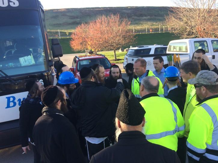 Waste Management team with the volunteers coordinating the search