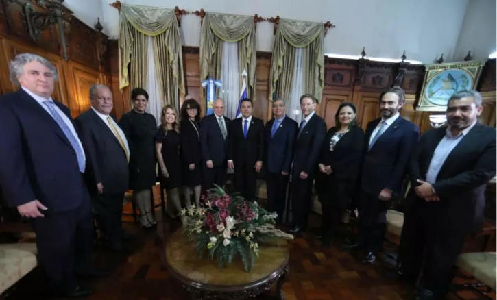 A meeting between the President of Guatemala with a group of leaders from the Mission of Gratitude and Solidarity with Guatemala. (photo credit: FUENTE LATINA)