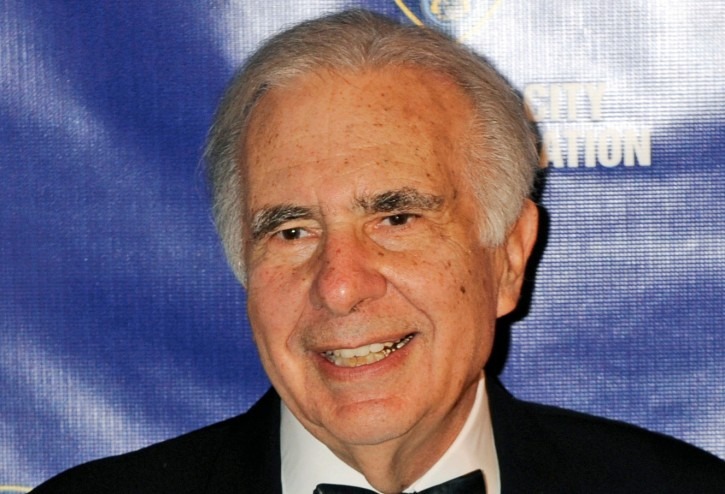 FILE - In this March 16, 2010, file photo, financier Carl Icahn poses for photos upon arriving for the annual New York City Police Foundation Gala in New York. (AP Photo/Henny Ray Abrams, File)