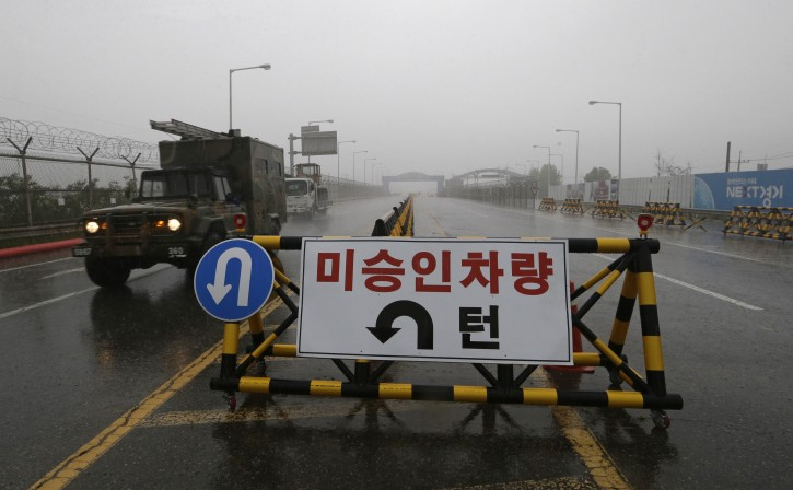 A South Korean military vehicle crosses  Unification Bridge, which leads to the demilitarized zone, near the border village of Panmunjom in Paju, South Korea, Wednesday, May 16, 2018.  (AP Photo/Ahn Young-joon)