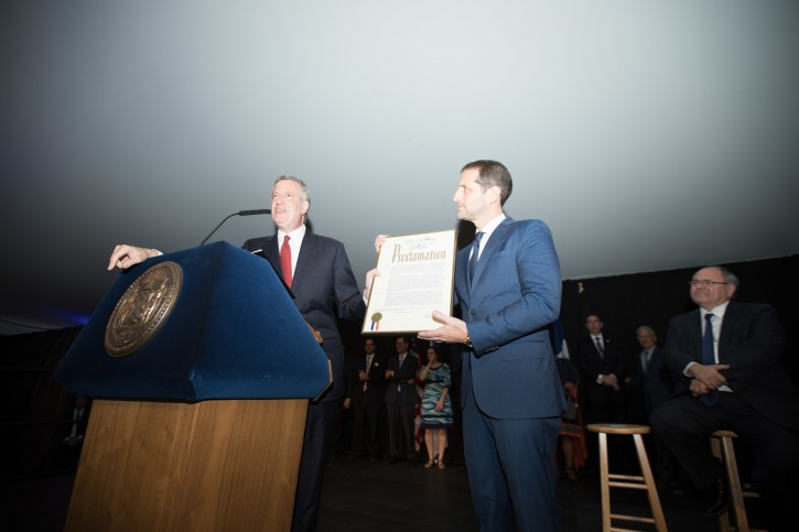 Stand up Jewish comedian Modi Rosenfeld honored by NYC mayor  at the Jewish Heritage Reception at Gracie Mansion on Tuesday, June 26, 2018.  (Benjamin Kanter/Mayoral Photo Office)