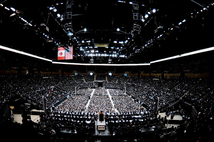 Satmar Rebbe Rabbi Aron Teitelbaum giving a speech to his thousands of followers built as an anti-Zionism convention in Nassau Coliseum in Nassau County NY on June 3, 2018 (Eli Wohl/VIN news)