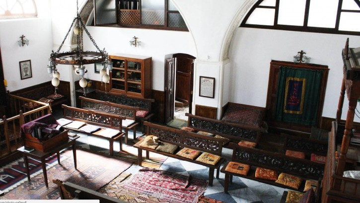 """Interior view of the """"Etz-Hayyim"""" in Chania, Crete. Photo taken from the library"""