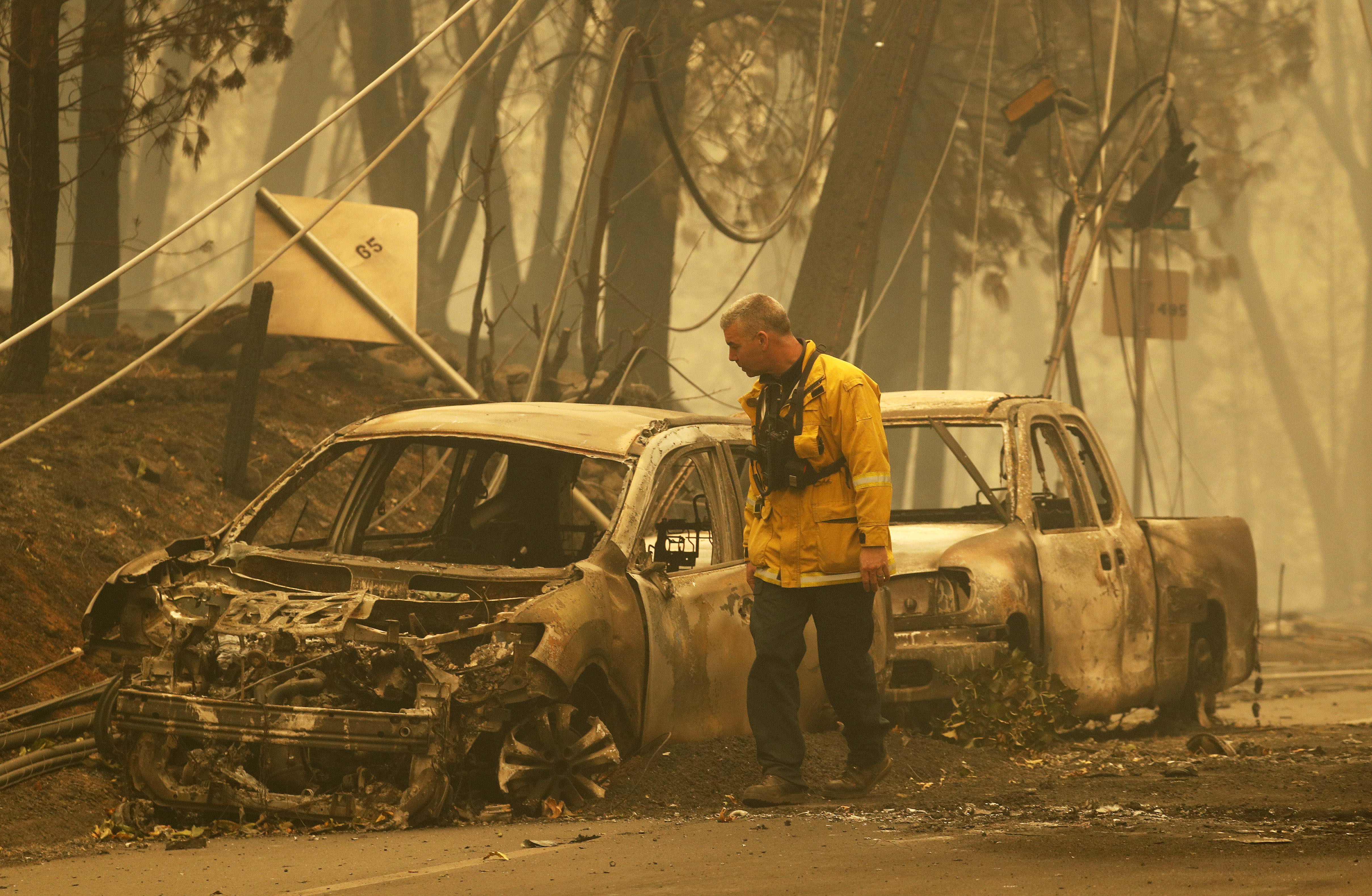 Paradise, CA - Firefighters Call Trump Threat 'Shameful'