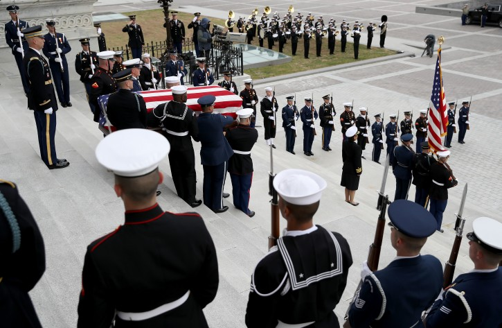 A US military honor guard team carries the flag draped casket of former U. President George H. W. Bush from the US Capitol, Washington, DC, USA, 05 December 2018. eorge H. W. Bush, the 41st President of the United States (1989-1993), died in his Houston, Texas, USA, home surrounded by family and friends on 30 November 2018. EPA