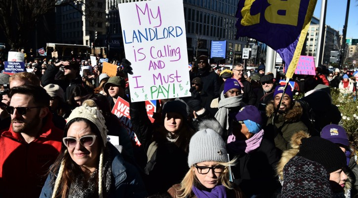Union workers demonstrate against the government shutdown in Washington, D.C., Jan. 10, 2019. (Nicholas Kamm/AFP/Getty Images)
