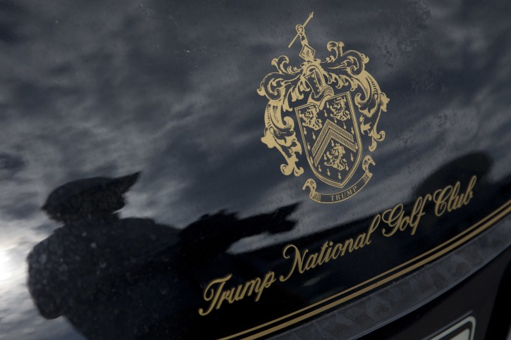 New York – 12 Immigrant Workers At Trump Golf Course Fired, Lawyer Says