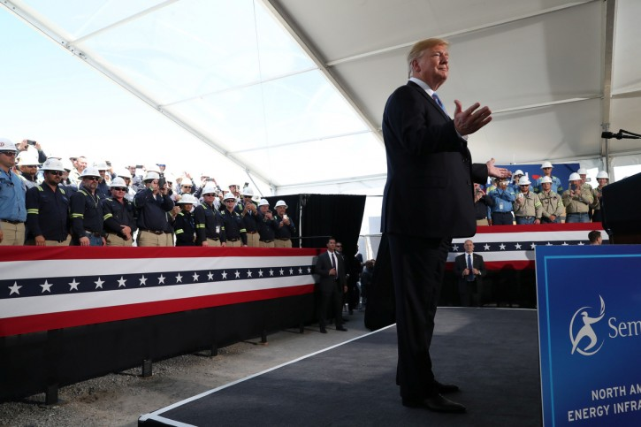 U.S. President Donald Trump reacts to the crowd during a visit to the Cameron LNG (Liquid Natural Gas) Export Facility in Hackberry, Louisiana, U.S., May 14, 2019. REUTERS/Leah Millis