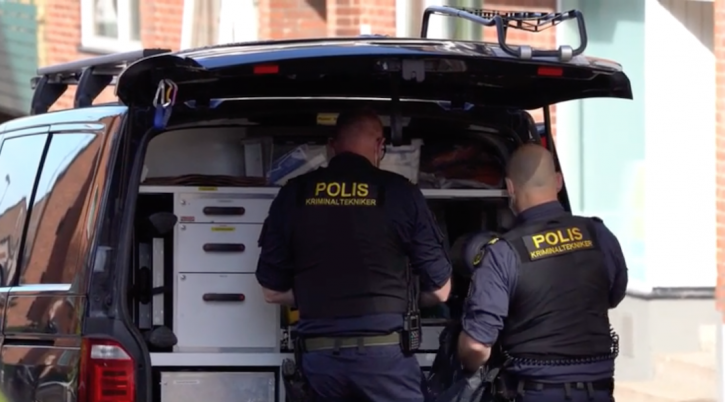 Police at the scene of the crime in Helsingborg, May 14, 2019. (Screenshot from Aftonbladet)