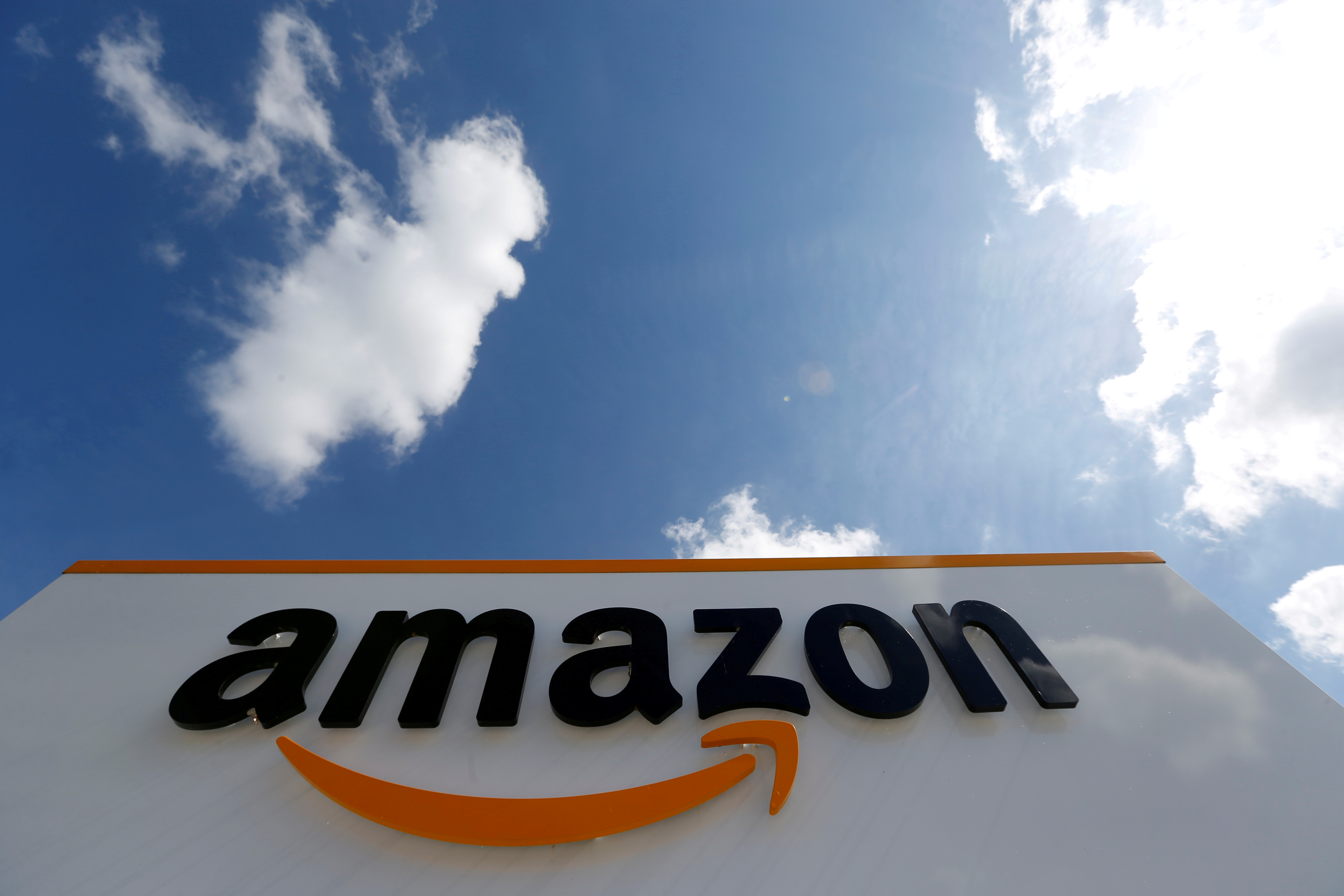 New York - Amazon To Shutdown US Restaurant Delivery Service