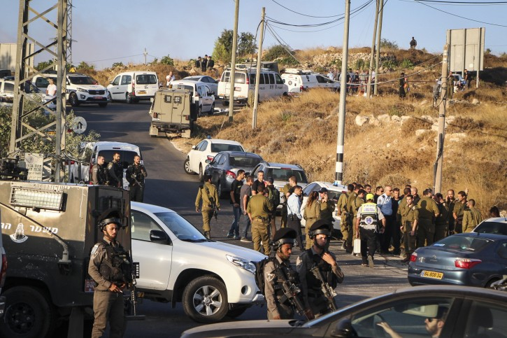Israeli military and security forces at the scene where the body of an Israeli soldier was found dead with stabbing wounds, near the Jewish settlement of Migdal Oz in Gush Etzion, on August 8, 2019. Flash90
