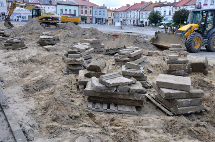 Dozens Of Jewish Headstones Discovered in Lizensk Under Polish Town's Market Square 1