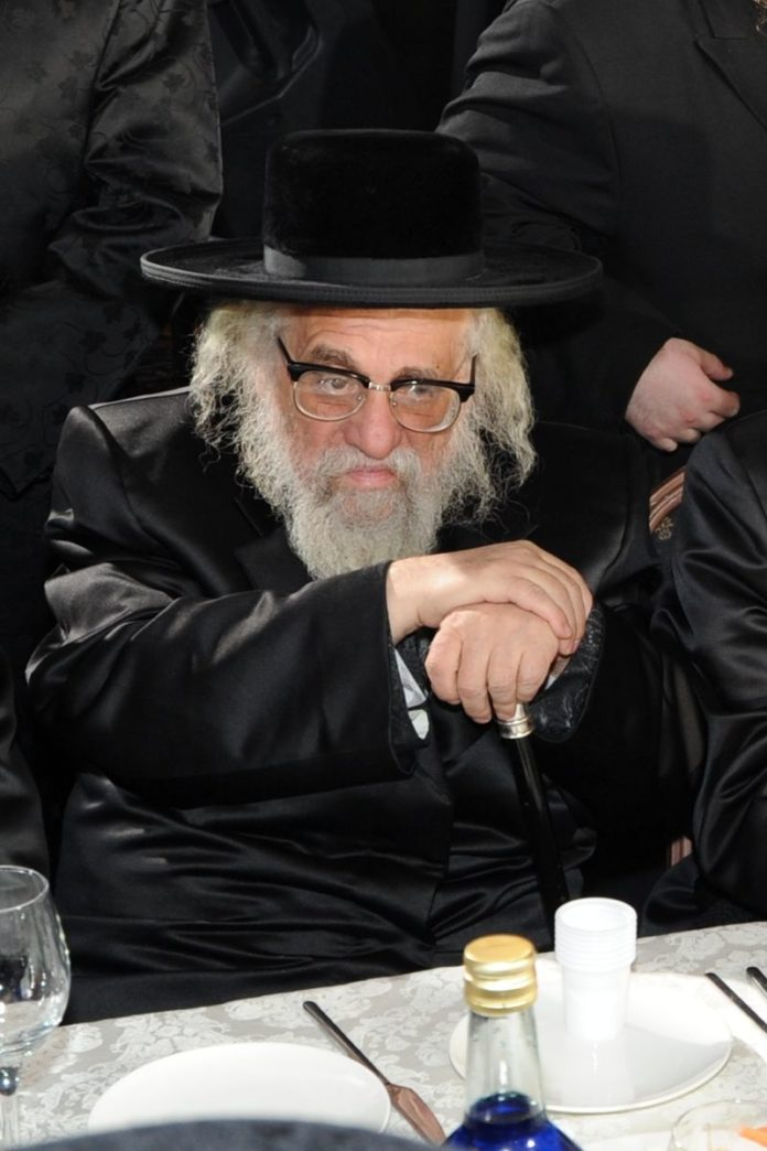 "Nafla Ateres Rosheinu: The Loss of Dayan Yechezkel Roth, zt""l 1"